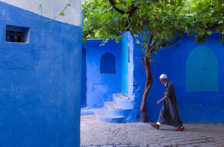 Tour from Marrakech to Chefchaouen via the Sahara  6 days / 5 nights