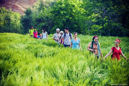 Hiking in the Roses valley / 5 days / 4 nights